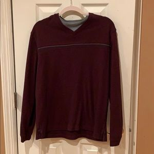 Vanheusen maroon sweater size Large